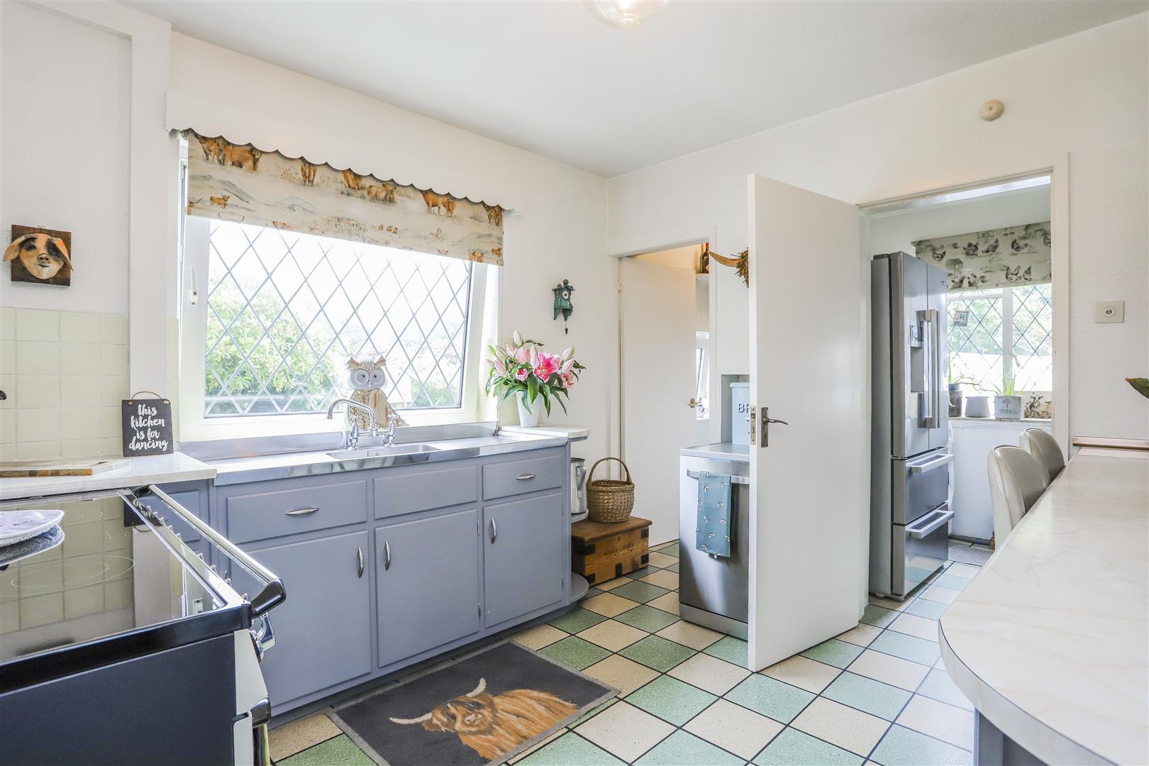 3 Bedroom Detached House For Sale - 54.JPG